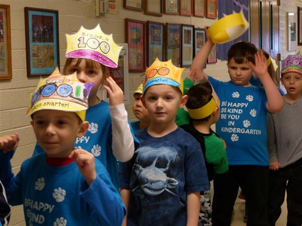 Elementary students celebrate 100 days of school