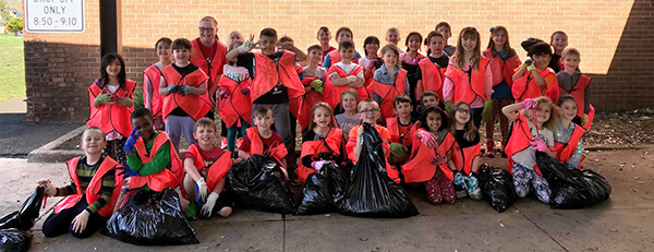 Walter MIller students clean up for Earth Day