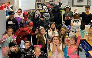 Ferderbar Halloween group