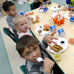 Students eating lunch at the cafeteria