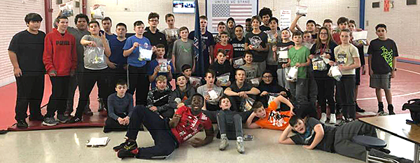 Poquessing Middle School wrestling team photo