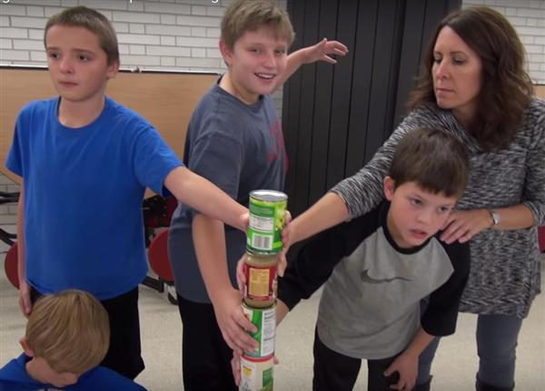 Video: Food donors make a Manequin Challenge
