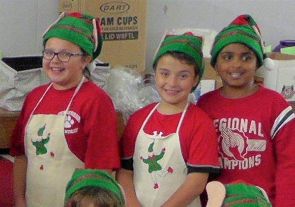Ferderbar hosts 24th annual Elf Fund Dinner